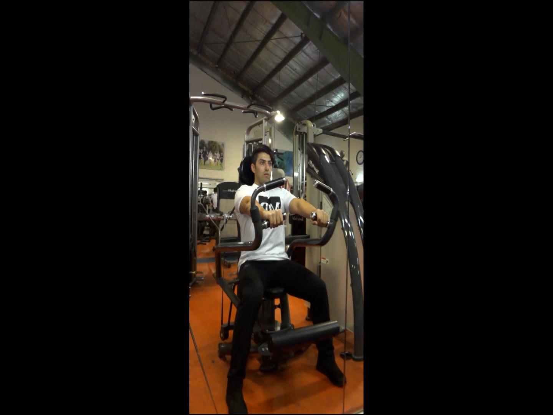 پرس سینه دستگاه نشسته